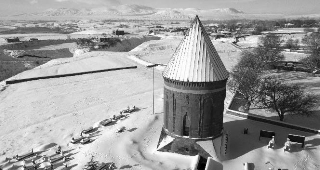 Selçuklu Mezarlığında Kış