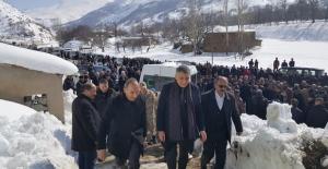 Tatvan'daki kazada hayatını kaybedenler toprağa verildi