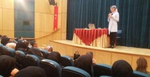 Tatvan Belediyesi 'Aile Ve Çocuk İlişkisi' konulu konferans düzenledi
