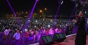 Tatvan 'Yaz Şenlikleri'nde bu hafta İnci Mercan sahne aldı