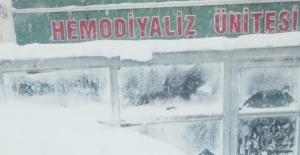 Tatvan Devlet Hastanesi'ne ulaşılamıyor! GÜNCELLENDİ