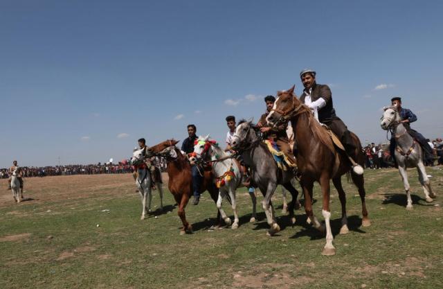 Kürt kültür festivalinden renkli kareler
