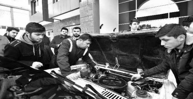 Ahlatlı gençlere motor eğitimi veriliyor