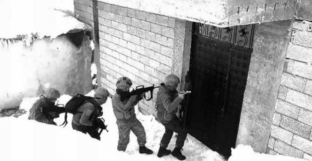 Bitlis ve ilçelerinde operasyon: 6 gözaltı!