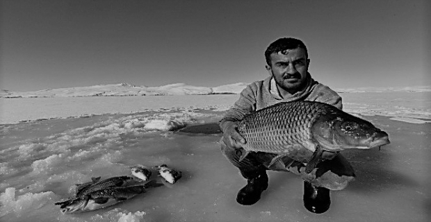 Donan gölde Eskimo usulü balık avı
