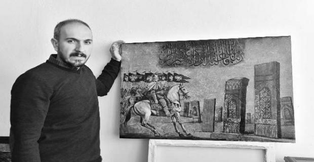 Tutkal ve ziftle sanat eserleri oluşturuyor