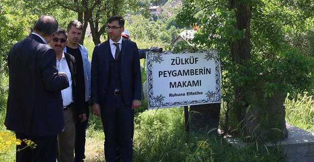 Bitlis Belediyesinden mezarlıklarda bayram temizliği