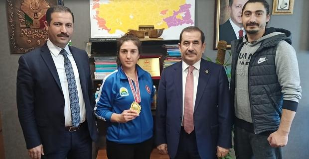 Tatvan'lı Nurcihan Ekinci Türkiye şampiyonu oldu