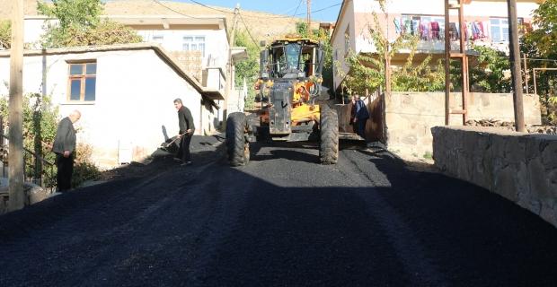Bitlis'te asfalt çalışmaları devam ediyor