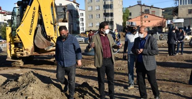 Başkan Geylani, altyapı ve park çalışmalarını inceledi