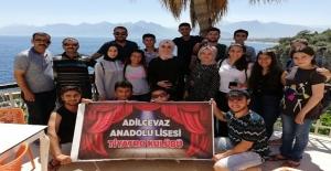 Adilcevaz tiyatro ekibi Antalya'da sahne alacak