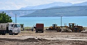 Tatvan'da selden zarar gören bölgeler temizleniyor