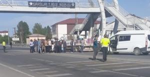 Tatvan'da trafik kazası: 2 yaralı!