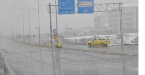 Bitlis Nisan ayında beyaza büründü