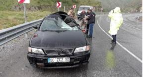 Bitlis'te trafik kazası: 1 ölü, 2 yaralı!