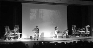 Ahlat'ta ''Düş Gezginleri'' adlı tiyatro oyunu sahnelendi