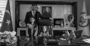 Başkan Tanğlay, makamını Zeynep Yılmaz'a teslim etti