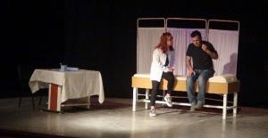 Askerin sahnelediği oyunla lise öğrencilerine madde bağımlılığı anlatıldı