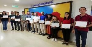 """Ahlat'ta """"Robotik Kodlama"""" eğitimi alan öğretmenlere sertifika verildi"""