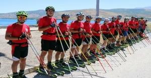 'Türkiye Tekerlekli Kayak Milli Takımı' Tatvan'da kampa girdi