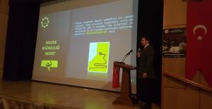 Tatvan'da uyuşturucu ile mücadele toplantısı düzenlendi