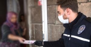 Ahlat'ta yardım paralarının dağıtımı için 41 ekip oluşturuldu